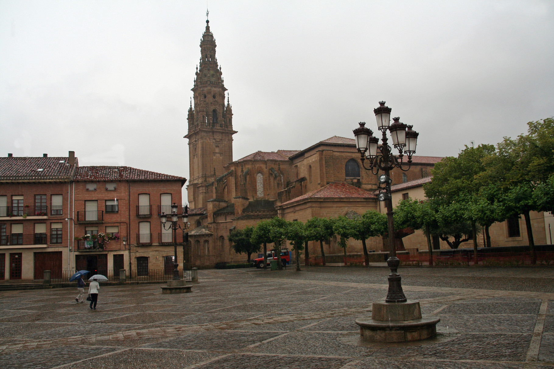 Santo Domingo de la Calzada: la Plaza de España et la cathédrale