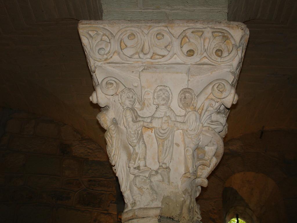 Hagetmau: le chapiteau de Job dans la crypte de Saint Girons