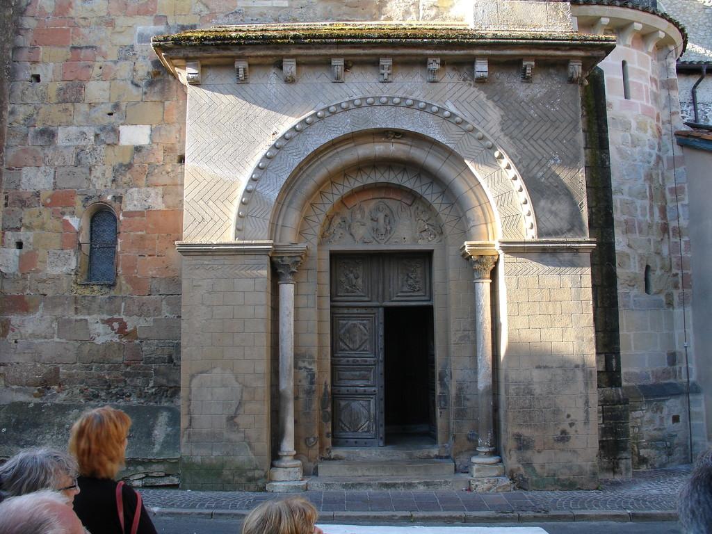 Saint Sever : le portail du 11e siècle de l'abbatiale