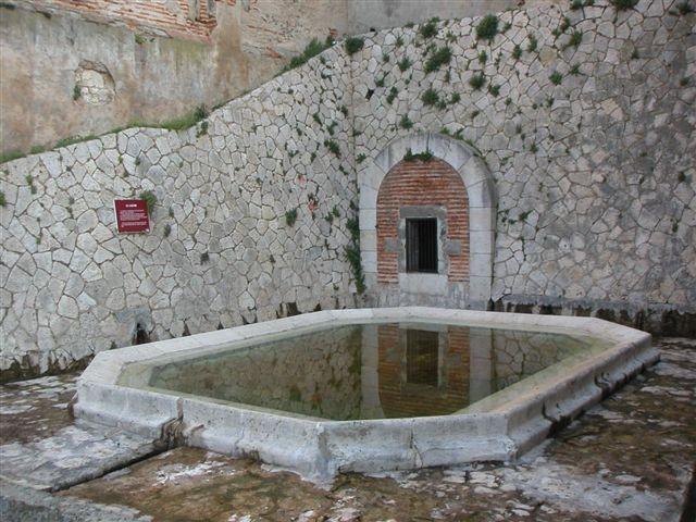 Tonneins : la Fontaine du lavoir
