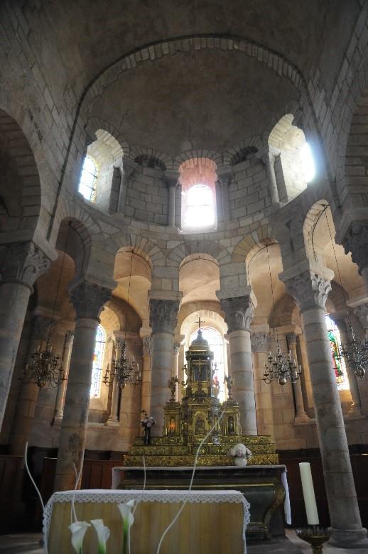 Saint-Saturnin: l'église Notre-Dame, le chœur et le déambulatoire