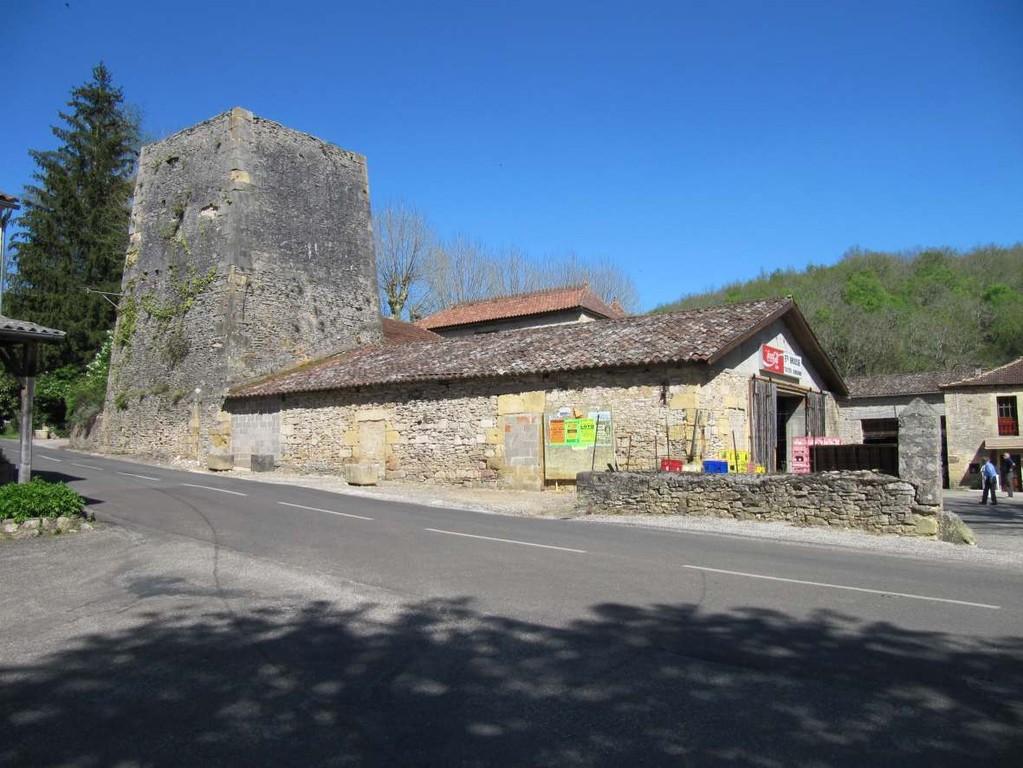 Le haut-fourneau de Blanquefort sur Briolance