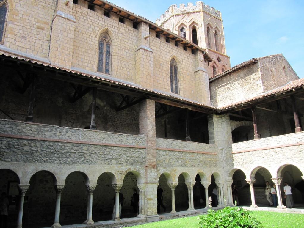 Saint Lizier : église et cloître de la cathédrale Saint Lizier