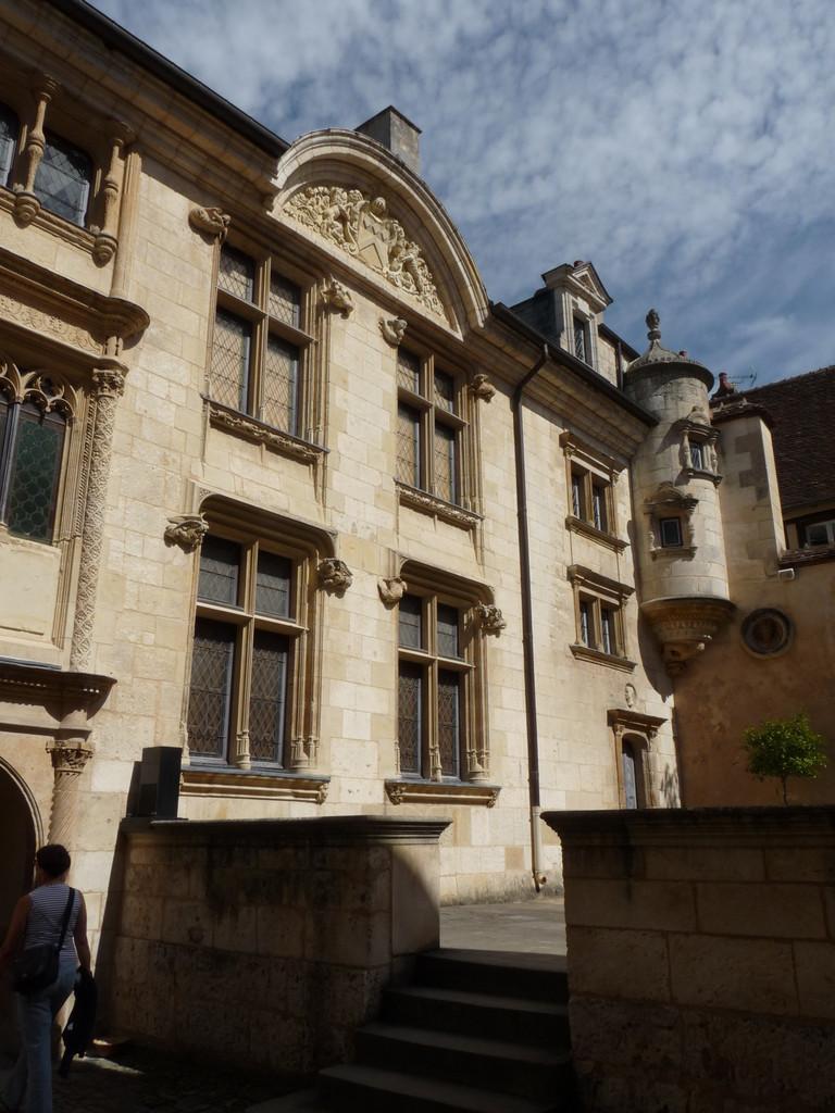 Bourges : la façade de l'Hôtel Lallemant, Musée des Arts Décoratifs
