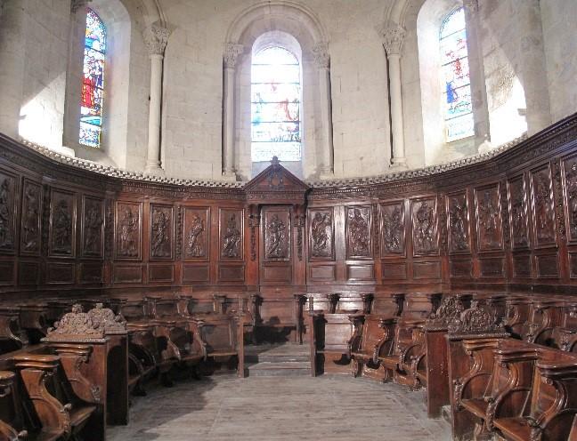 Le Mas d'Agenais: chœur de l'église et stalles