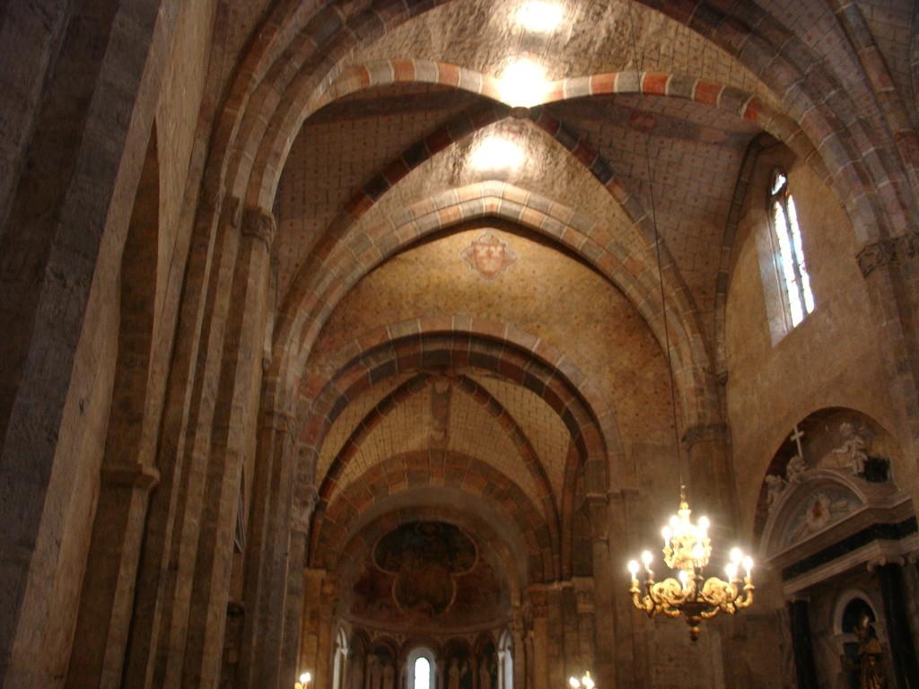 Saint Lizier : la nef de la cathédrale Saint Lizier