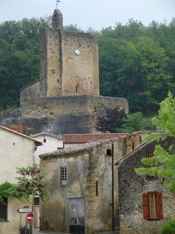 Valls : le village et l'église