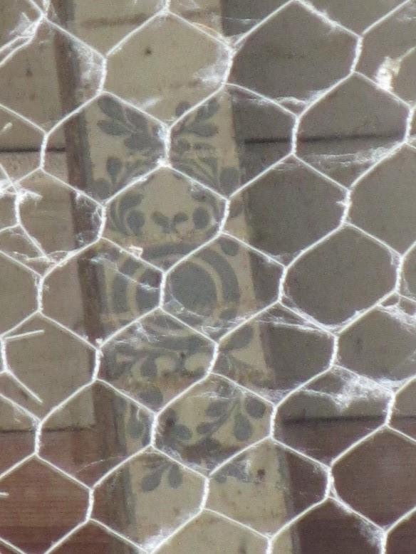 Damazan: poutre décorée à l'intérieur du château comtal