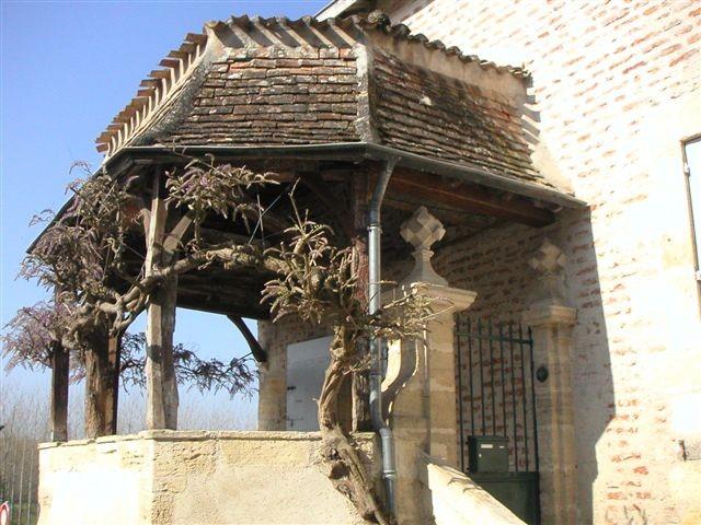 Marmande : un porche style périgourdin