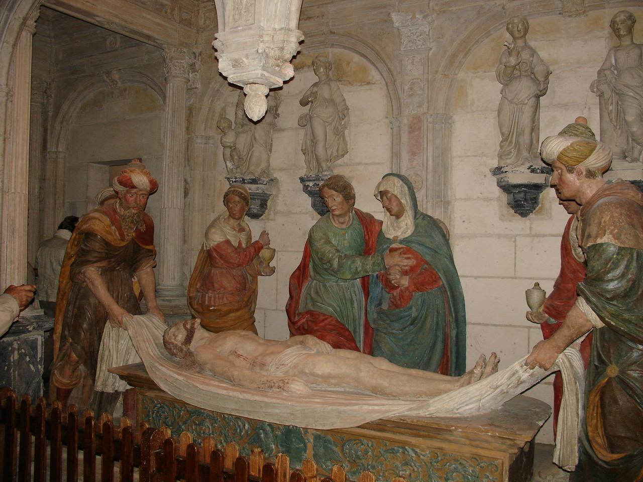 Bourges, la cathédrale Saint Etienne : la crypte et la mise au tombeau