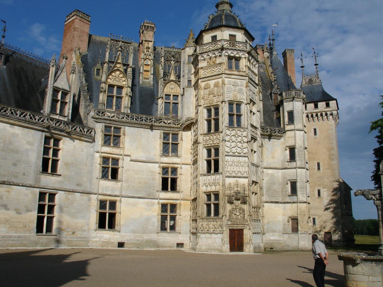 Meillant, le château : la façade gothique flamboyant