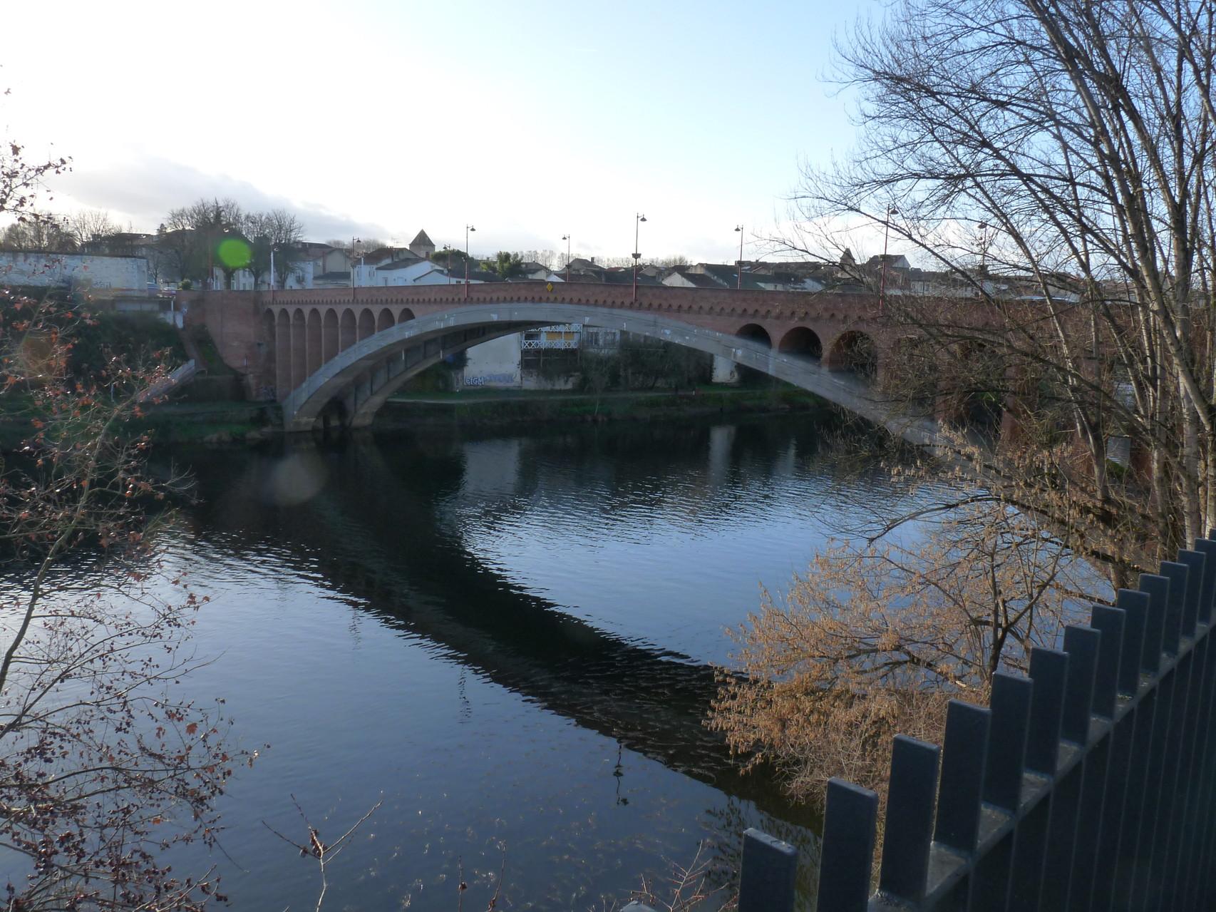 Villeneuve-sur-Lot : le Pont Neuf
