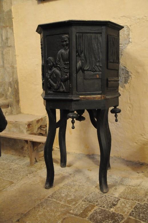 L'abbaye de Marcilhac-sur-Célé: une chaire à prêcher portative ou ambon