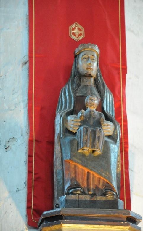 La Chaise-Dieu: Vierge à l'Enfant assise (14è siècle)