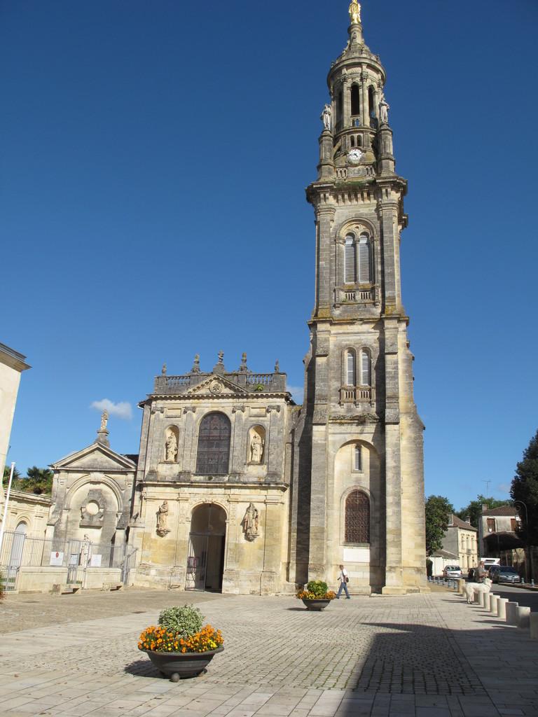 Verdelais : la basilique.