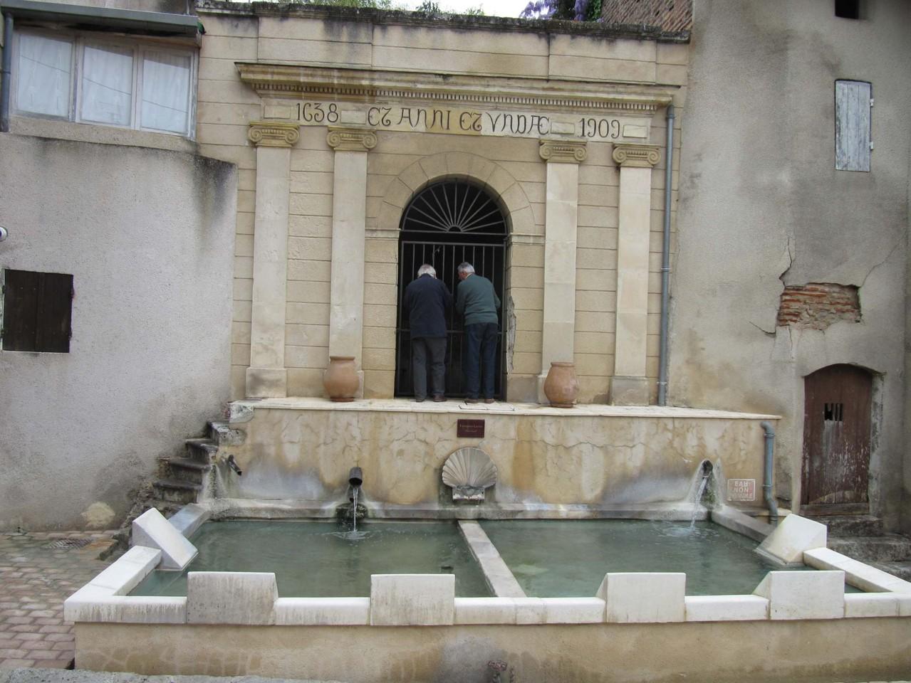 Clairac : la fontaine classique