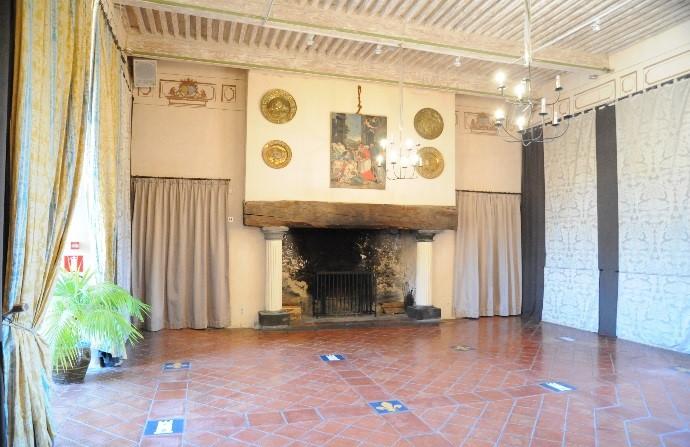 Le château de Saint-Saturnin: l'aile Renaissance et la Salle Royale
