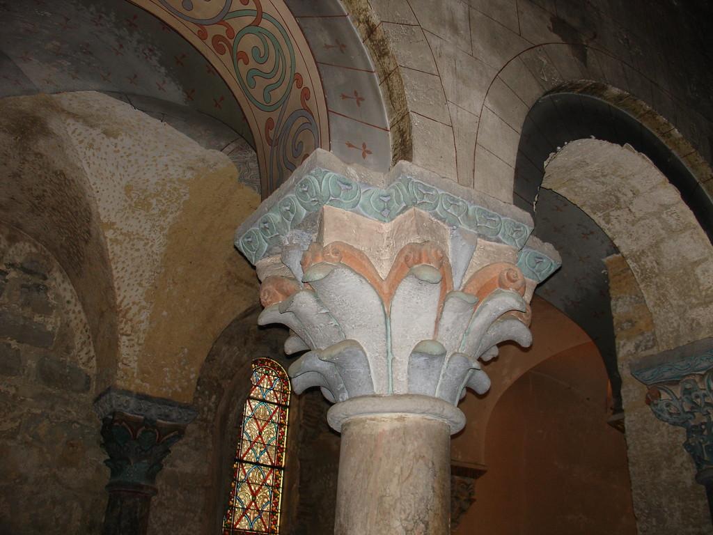 Saint Sever : un chapiteau à feuilles nues de l'abbatiale