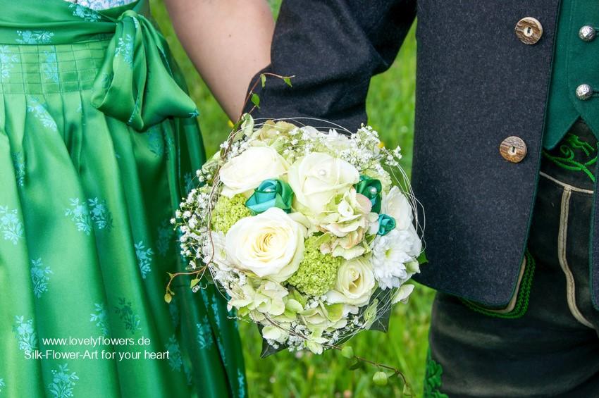 www.lovelyflowers.de - Seidenblumen Brautsträuße für Deinen traditionellen Hochzeitstraum:-)