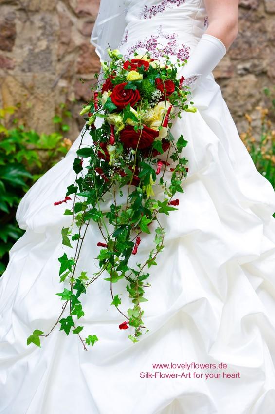 www.lovelyflowers.de - macht DEINEN Dornröschen-Seidenblumen-Brautstrauß-Traum wahr:-)