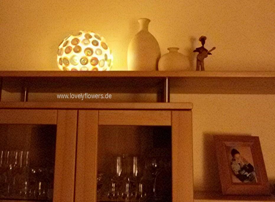 www.lovelyflowers.de - Paper-Art Lampen machen romantisches Wohlfühllicht!