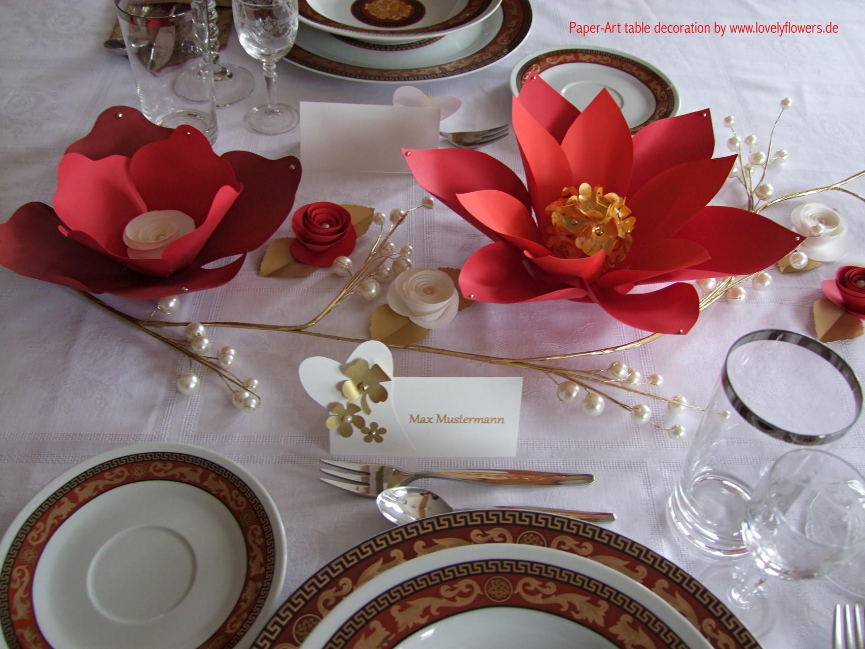 Edle Paper-Art Centerpiece Tischdekoration von www.lovelyflowers.de
