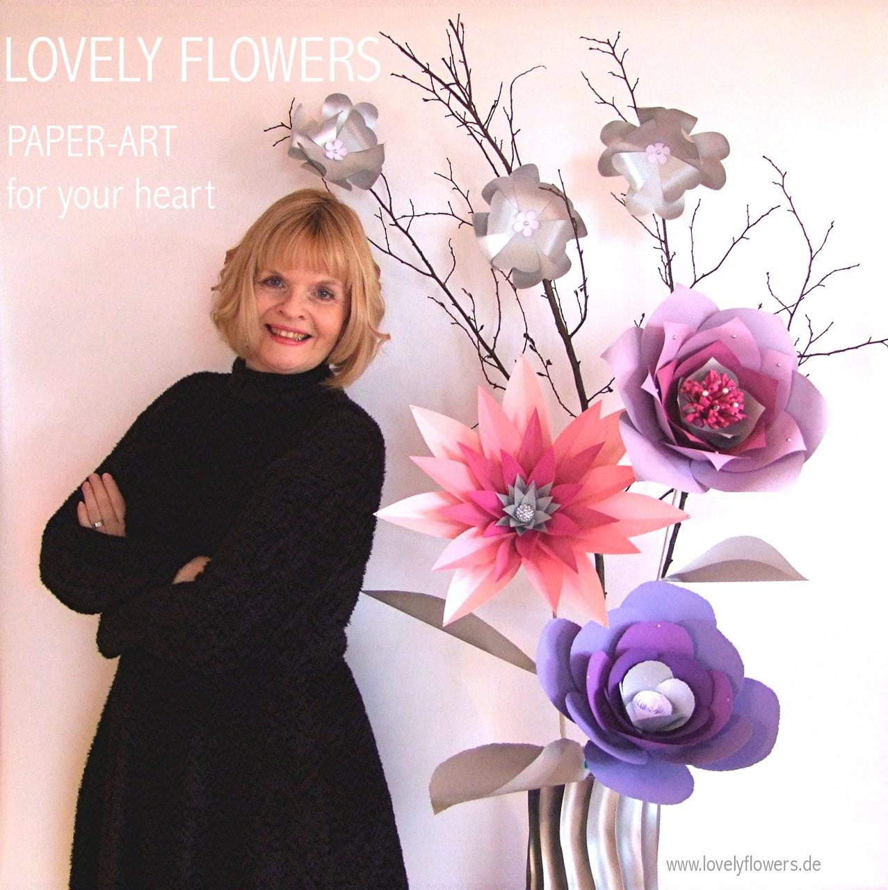 Paper-Art Großvasendekoration von www.lovelyflowers.de Chef-Paper-Artist Sabine Vöpel-Kramer von für die Winterhochzeit in der Residenz zu Salzburg/Österreich