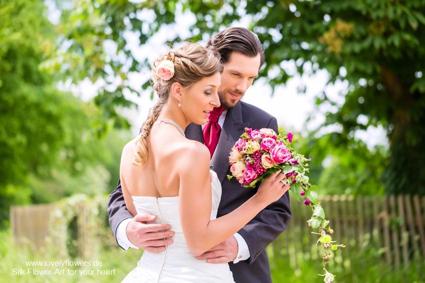 www.lovelyflowers.de - Seidenblumen-Wasserfall-Brautbouquets, die Euch verzaubern:-)