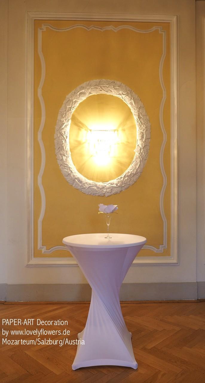 Paper-Art Stehtischdekoration von www.lovelyflowers.de  in Farb-/Form passend zum Champagnerempfang im Mozarteum/Salzburg/Österreich