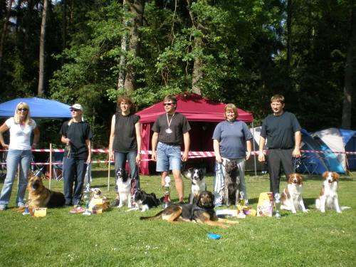 Hier ein Gruppenfoto vom Samstag der raindogs-Startern mit ihren Lieblingen!!!