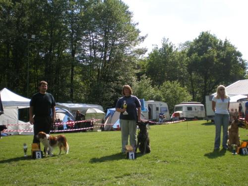 Hier ein Foto von den Gewinnern der A2 am Samstag. Die ersten drei Plätze gingen an raindogs-Startern!!! Müller Tom mit Aragon, ich mit Sky und Steinbüchl Anita mit Naomi!!!