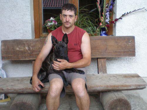 Hier Andreas mit seiner Fiby. Seinen Geburtstagswunsch hat er sich mit dieser kleinen Dame selber erfüllt:o))