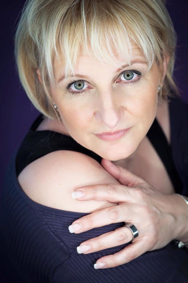 Foto: Sandra Oberer Photograpy / Hair: Vanessa Spahni-Lezzi / Make up: Kosmetikstudio Monika Santschi-Schnyder