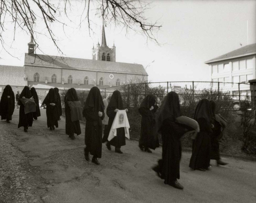 Les Pleureuses mit der Kirche von Romont, ©Carmen Weder