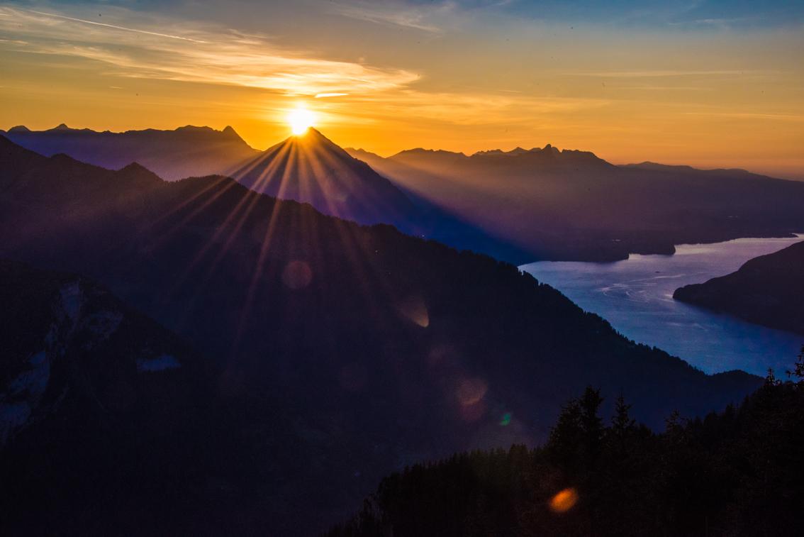 Sonnenuntergang, Niesen und Thunersee, Berner Oberland, © Carmen Weder