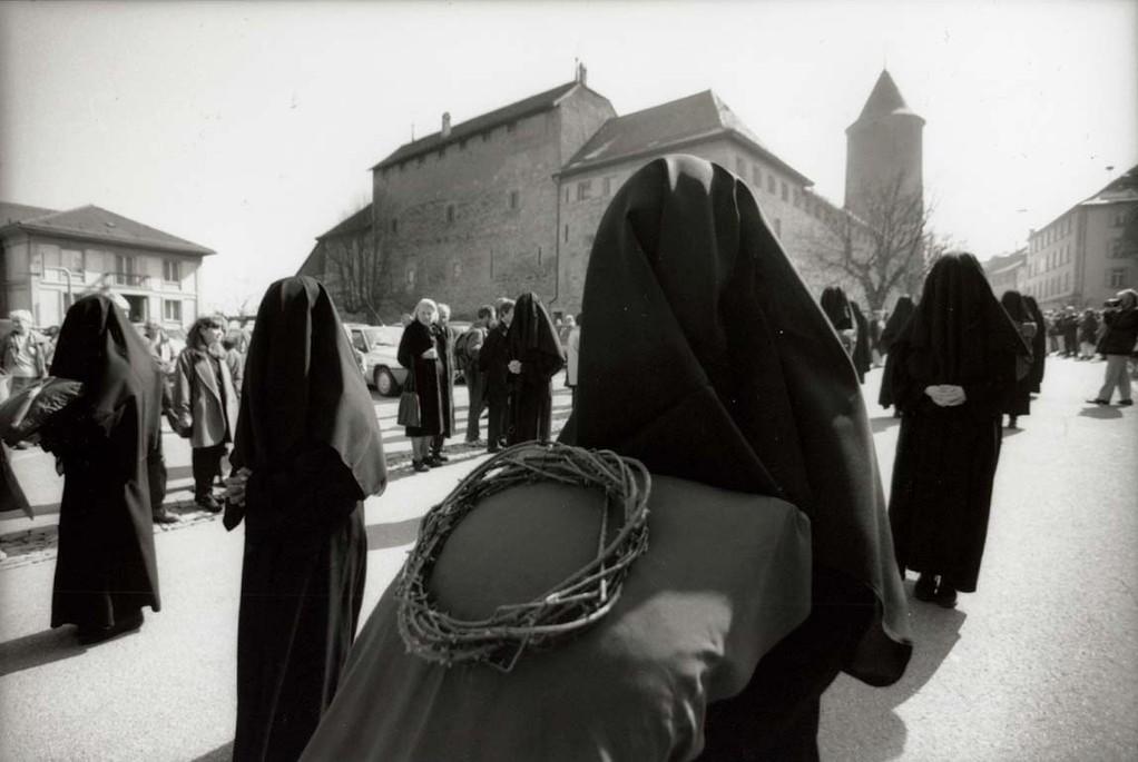 Les Pleureuses mit der Dornenkrone, ©Carmen Weder