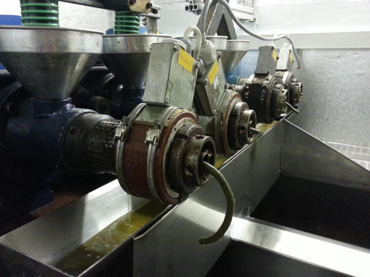 Schneckenpresse in Betrieb