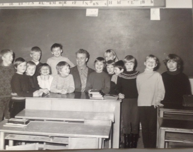 Min klasse 1966: Kurt, Rosi, Heike, Peter J., Martina (jeg), Dag, Birgit J., hr.Klüver, Randi, Solvej, Birgit A., Peter Tappe, Anke, Ulla, Annelie