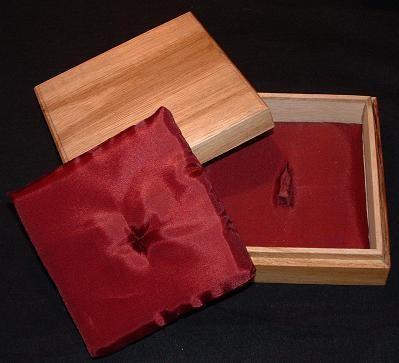 Kiribako box : Tsuba, w/wo Cushion