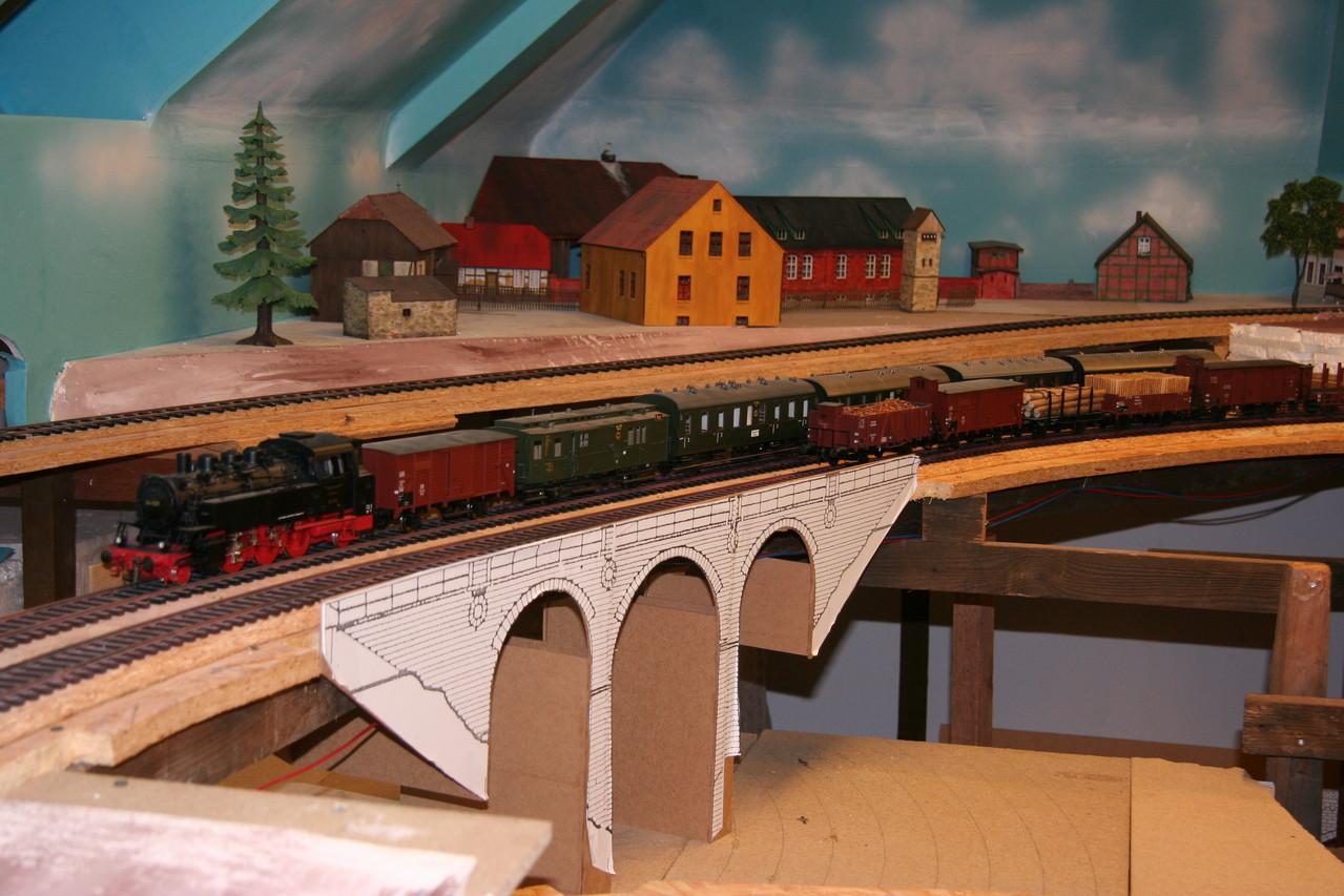 Zweite Stellprobe mit einer MDF- Brücke. 2010