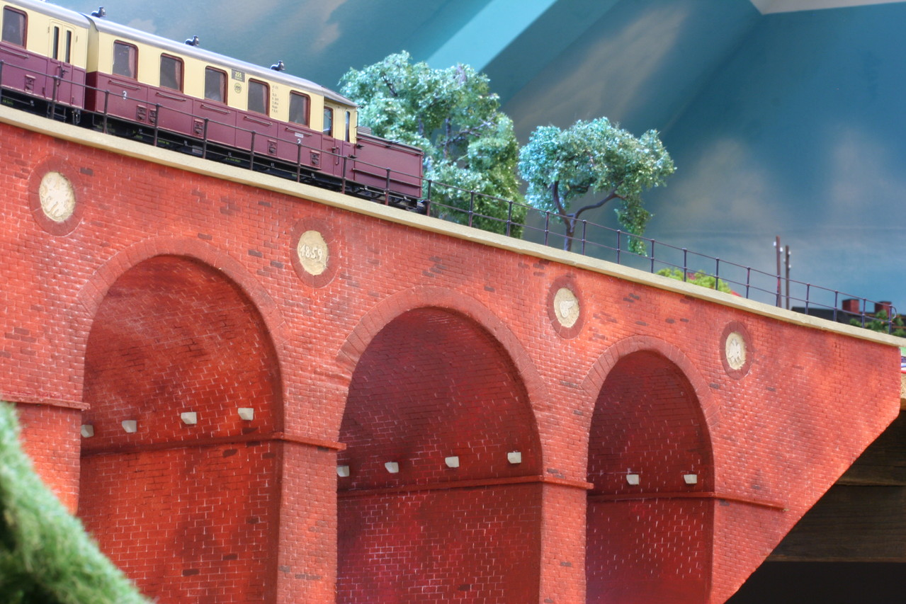 Der Viadukt ist fertig. 2012