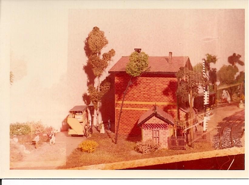 Bahnhof Förtha, auf das Bild klicken und die Diaschau beginnt.