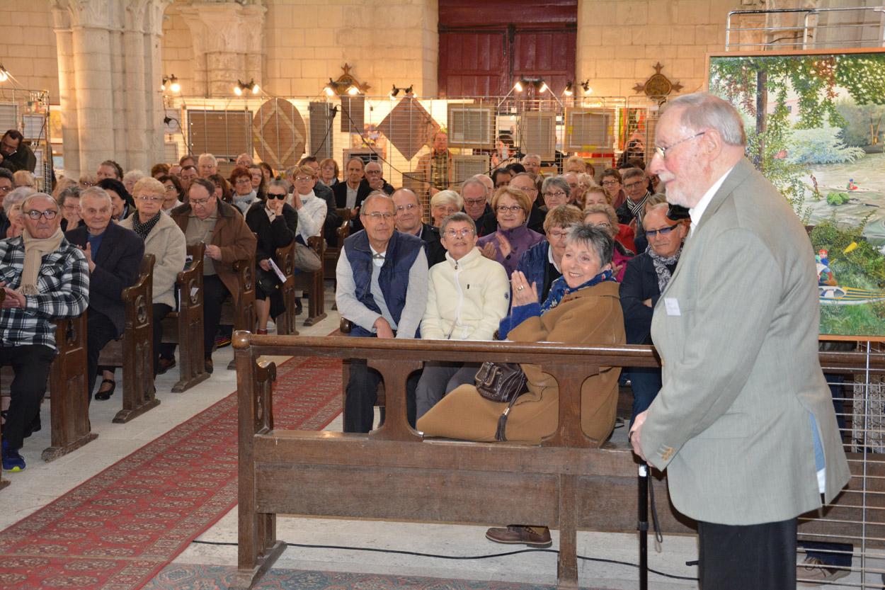 Jean Maerten, applaudi par le public lors du vernissage
