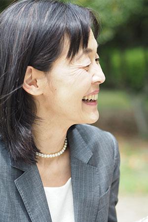 うつ病回復支援専門カウンセラー吉川淳子の横顔写真