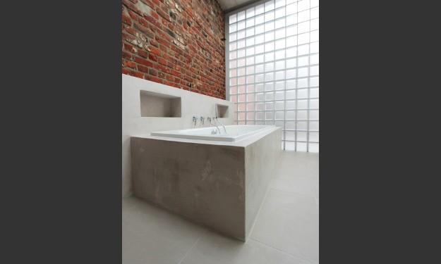 Glasbaustein-Außenwand im Badezimmer (anderswohneninderstadt.de)