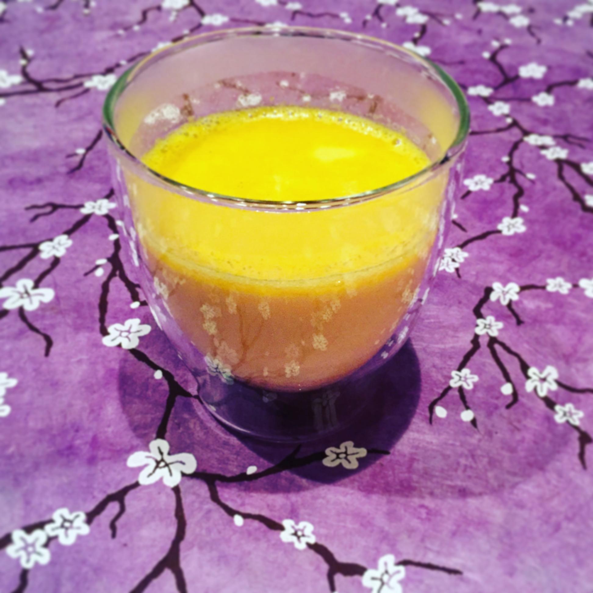 Golden Milk - ein wunderbares ayurvedisches Getränk mit Kurkuma