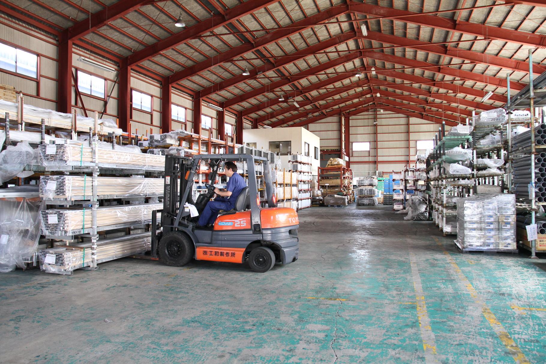 型材保管倉庫