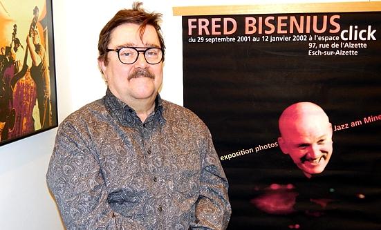 FRED BISENIUS, Fotograf.  Foto: (C) theos 2019