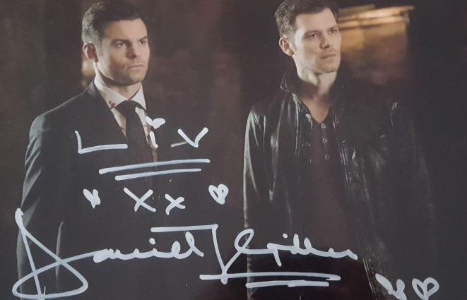 Autograph of Daniel Gillies at Dutch Comic Con