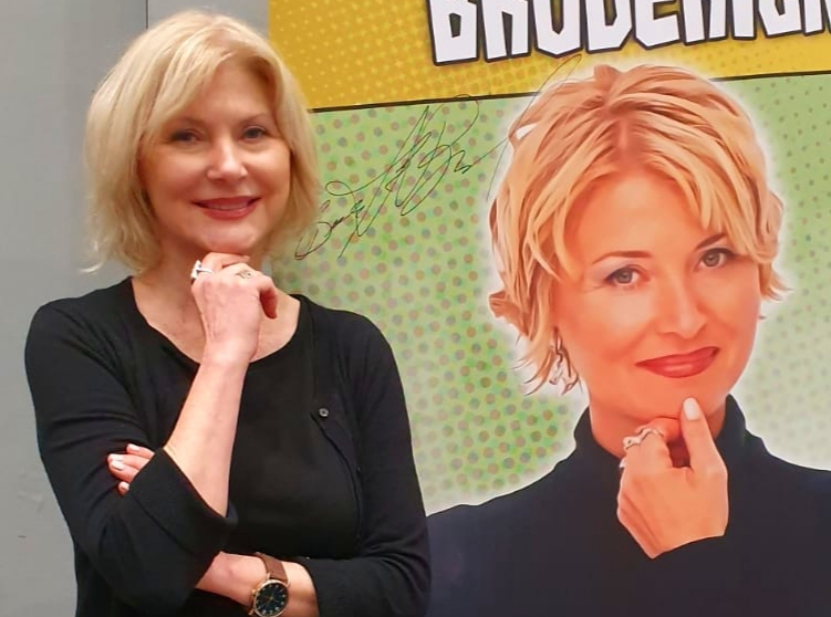 Beth Broderick at Comic Con Liverpool